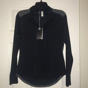 Women's Under Armour golf 1/2 zip Pullover medium